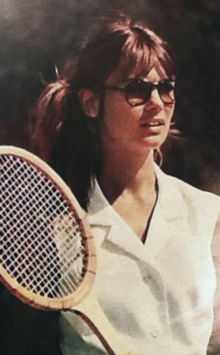 Jean Shrimpton in Hola magazine, 1967, tennis racket, sunglasses, white shirt
