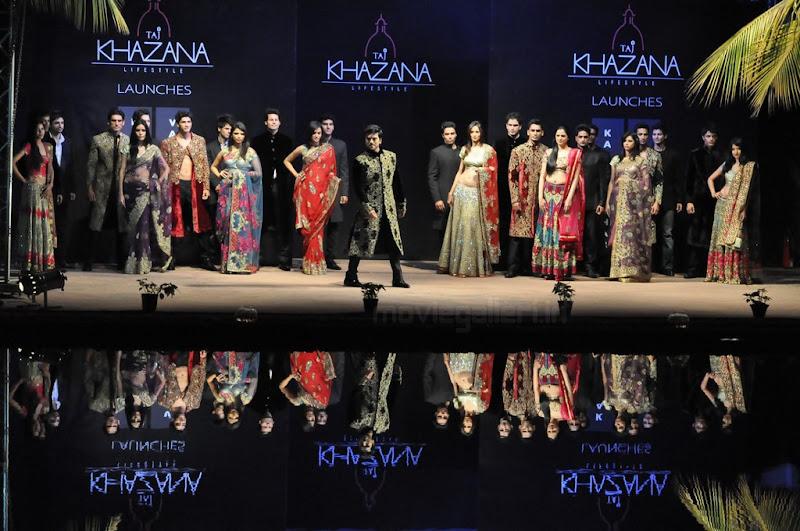 Ram Charan Teja Walks Ramp in TAJ KHAZANA Lifestyle Fashion Show gallery