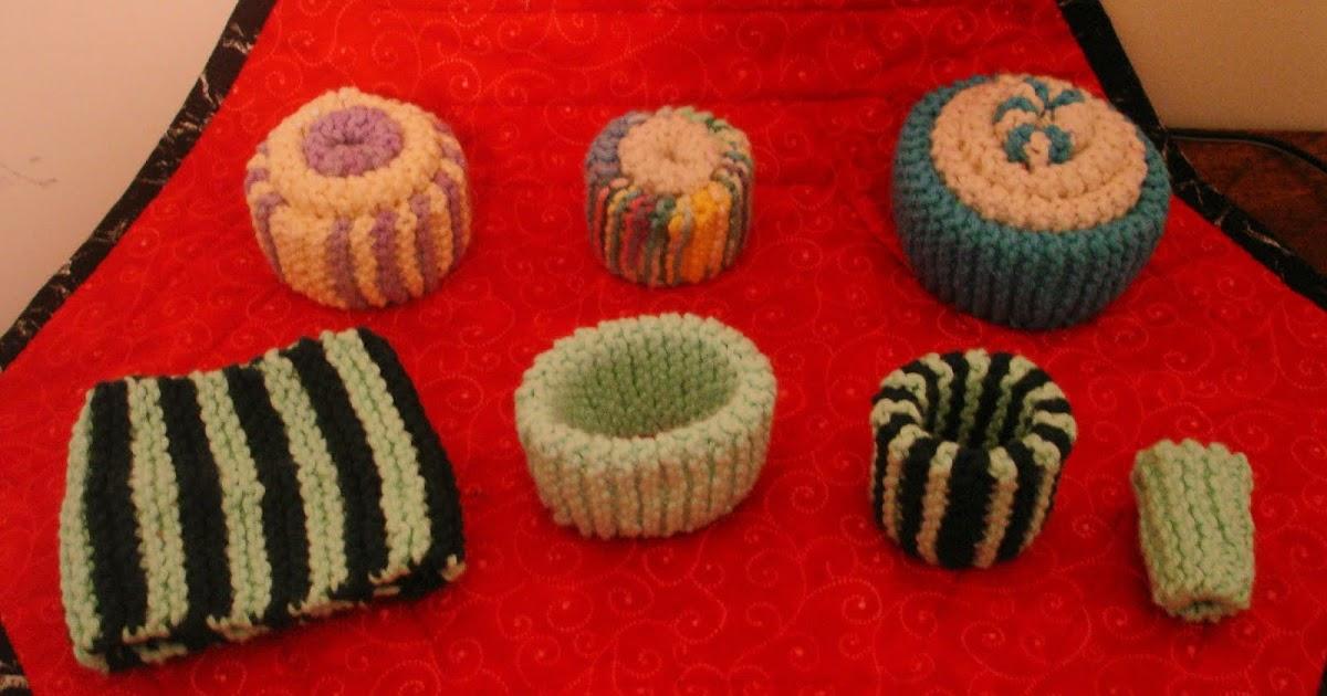 Knitting Pattern Pin Cushion : Carols Quilting Blog: Knitted Pincushions
