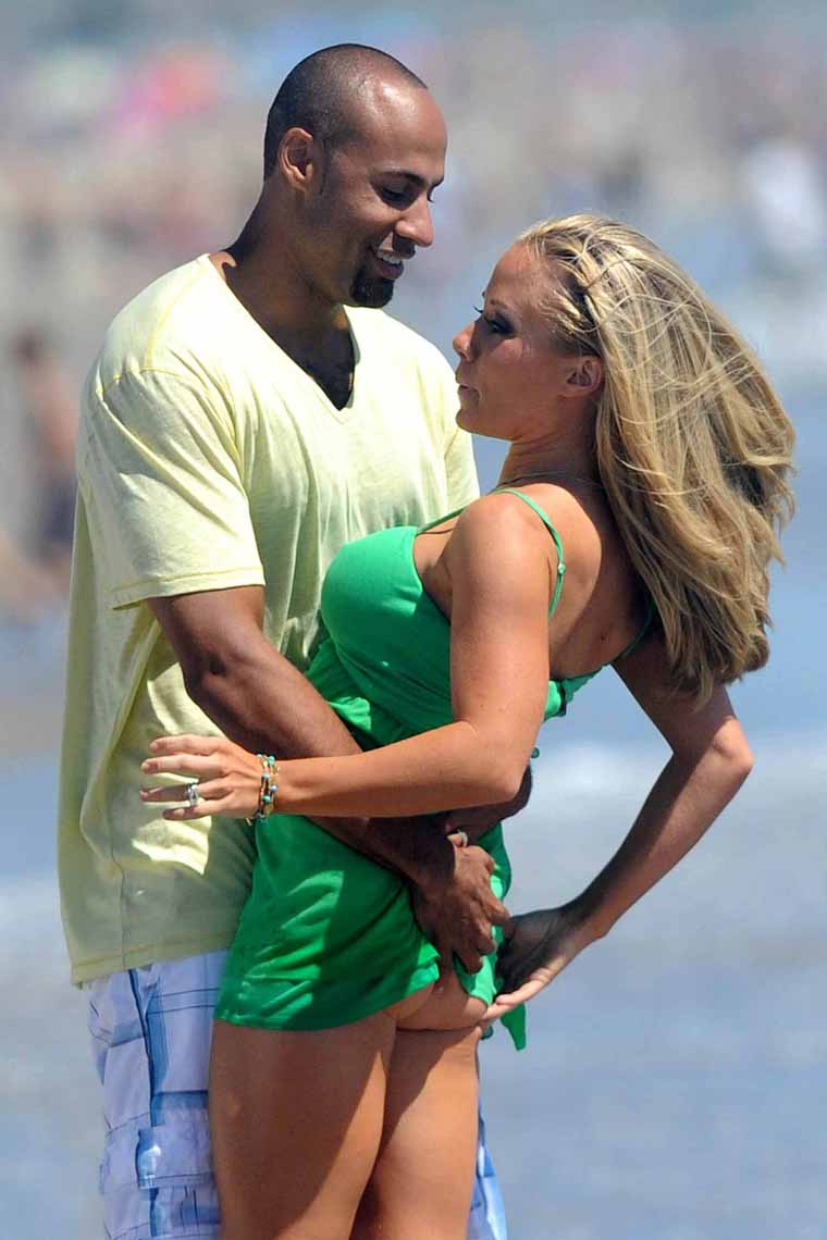 kendra wilkinson pics of ass