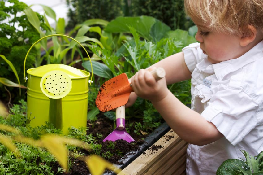 Discovery child care blog 21 fun ideas to connect kids for Gardening with children
