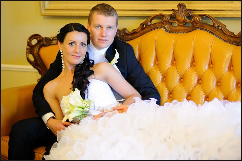 klasikinė tradicinė vestuvinė fotografija taujėnų dvaro rūmuose