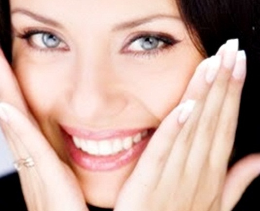 Langkah Memutihkan Gigi Secara Alami