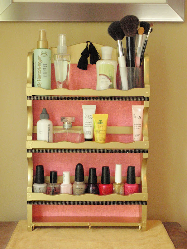 Exhibit B. A beautiful bathroom organizer fit for a queen. title=