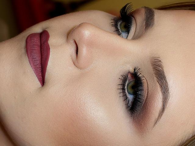 maquiagem esfumada marsala