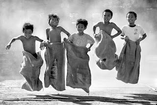 5 Permainan Masa Kecil Yang Membuat Kita Tertawa Saat Mengingatnya