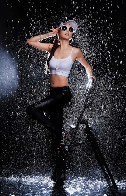 Eun Bin Yang - Sexy In Water
