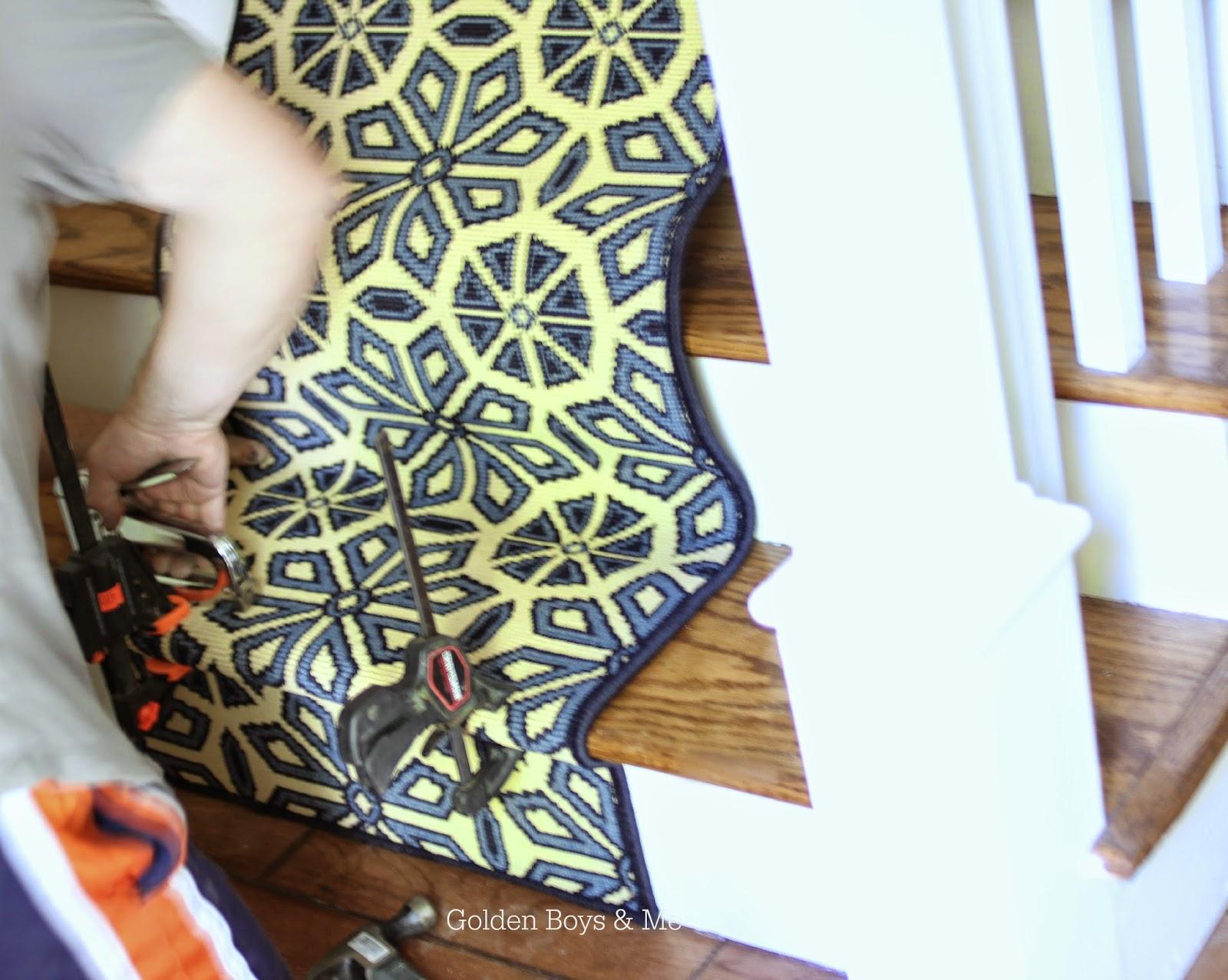 Split level foyer with DIY stair runner-www.goldenboysandme.com