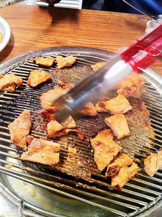 pork grill bbq restaurant gongdeok mapo seoul korea