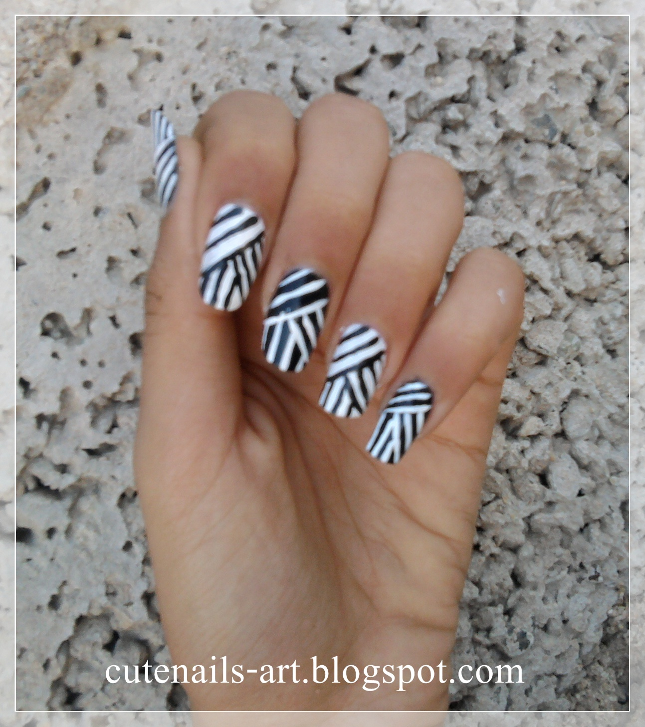 cutenails-art: weaving lines nail art design/black and white