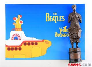 Prêmio para single  em 1966 irá a leilão após ser encontrado como apoio para porta