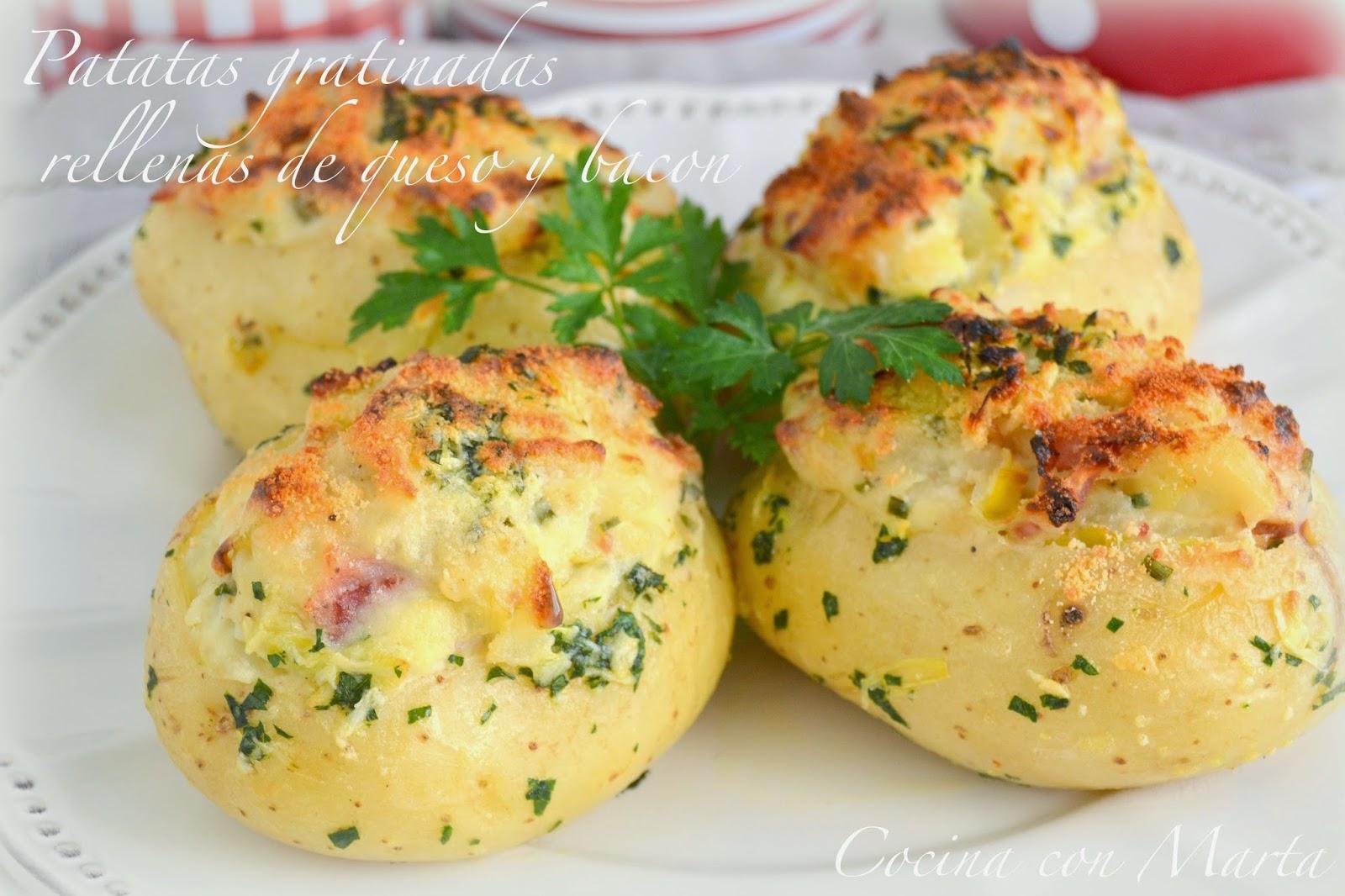 Patatas gratinadas rellenas de queso y bacon - Cena facil y rapida para dos ...