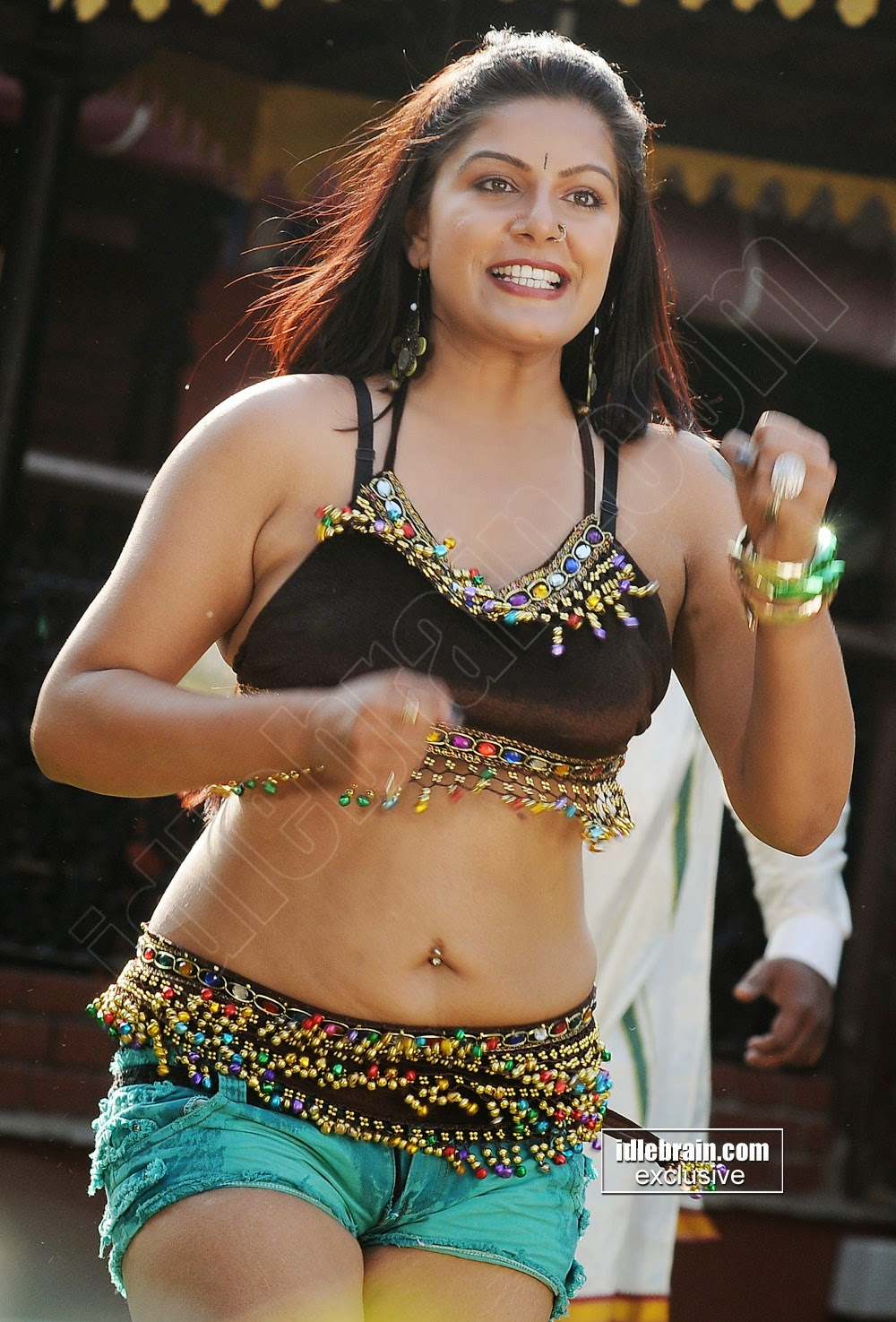 Reva navel hot