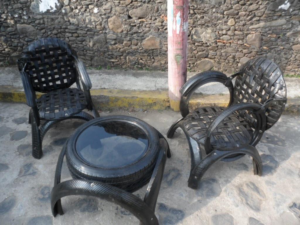 llantas en desuso transformándolas en vistos muebles para el hogar