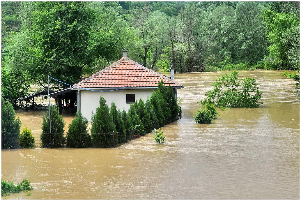 Potopljena kuća
