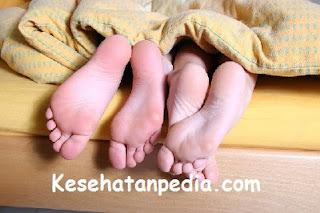 Bahaya Tidur Tengkurap bagi Kesehatan & Kecantikan