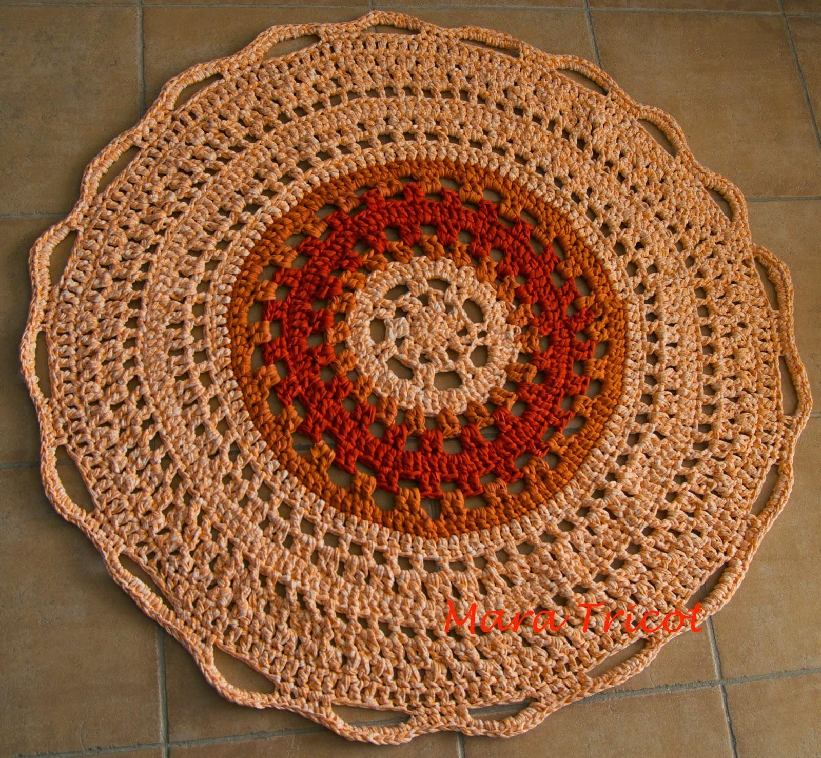 Crochet en 80 labores secci n alfombras de trapillo en for Alfombras caras