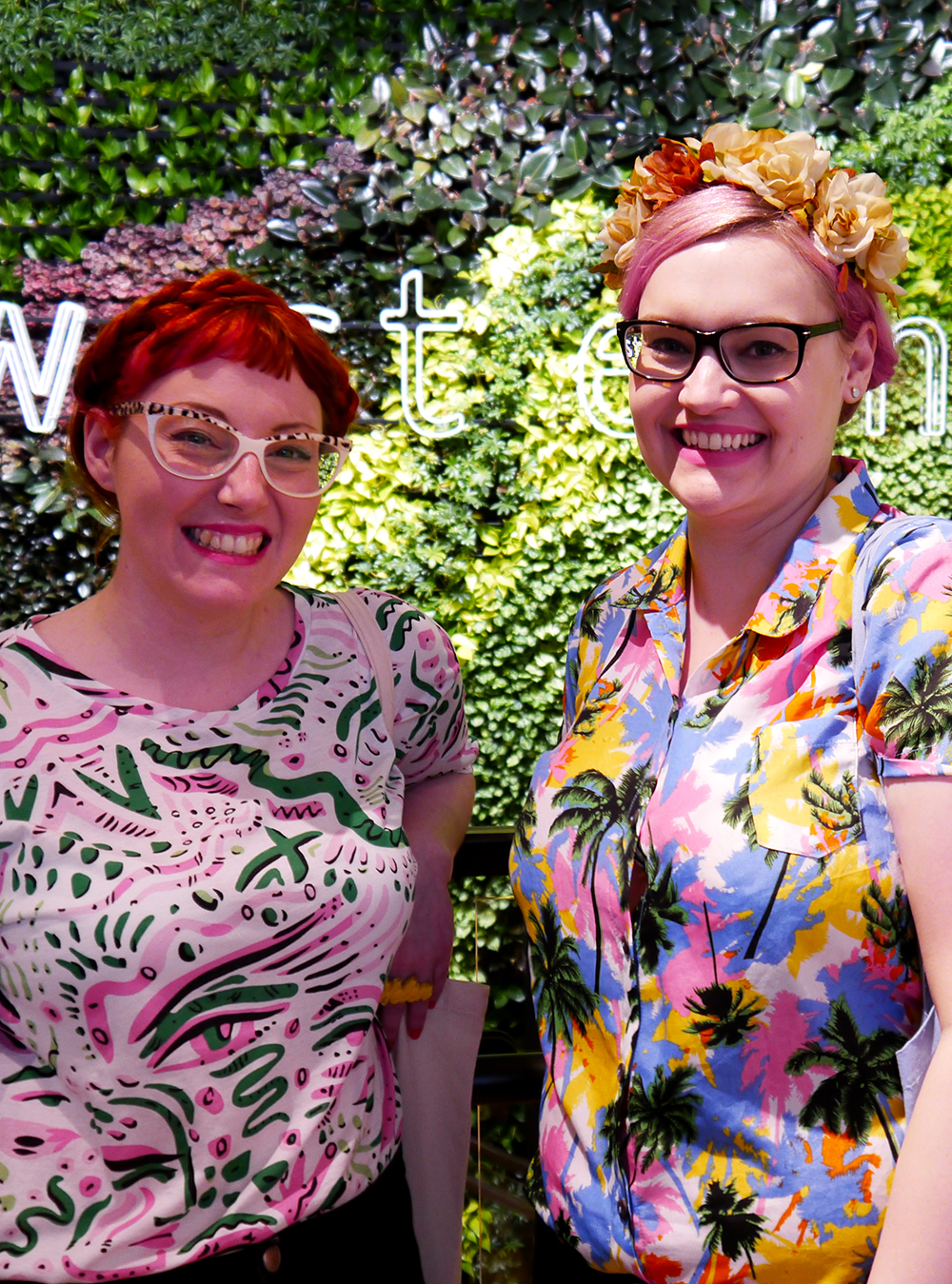 blog, blogger, Scottish blogger, blogging duo, ginger, pink hair, girls with glasses,interior design, pintacular, festival style, Hawaiian print