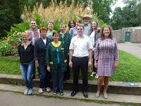 'Ruim 20 medewerkers van alle afdelingen van Kaunas Zoo: dieren ,onderhoud, techniek, kantoor en educatie gaven acte de présence op de bijeenkomst.