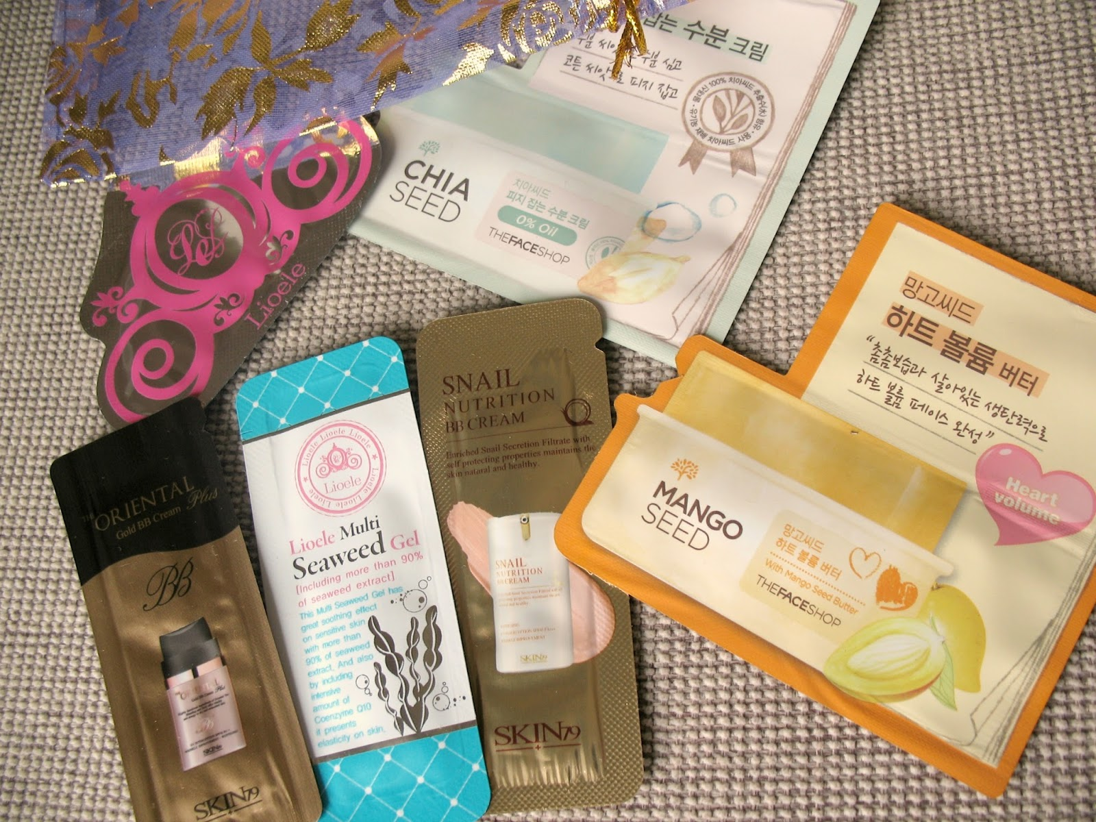 Beauteque-asian-skincare-sample-bag