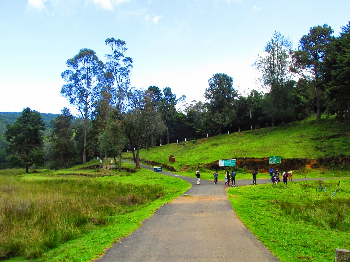 Kodaikanal India  city pictures gallery : Kodaikanal is one of the most important hill stations in India. People ...