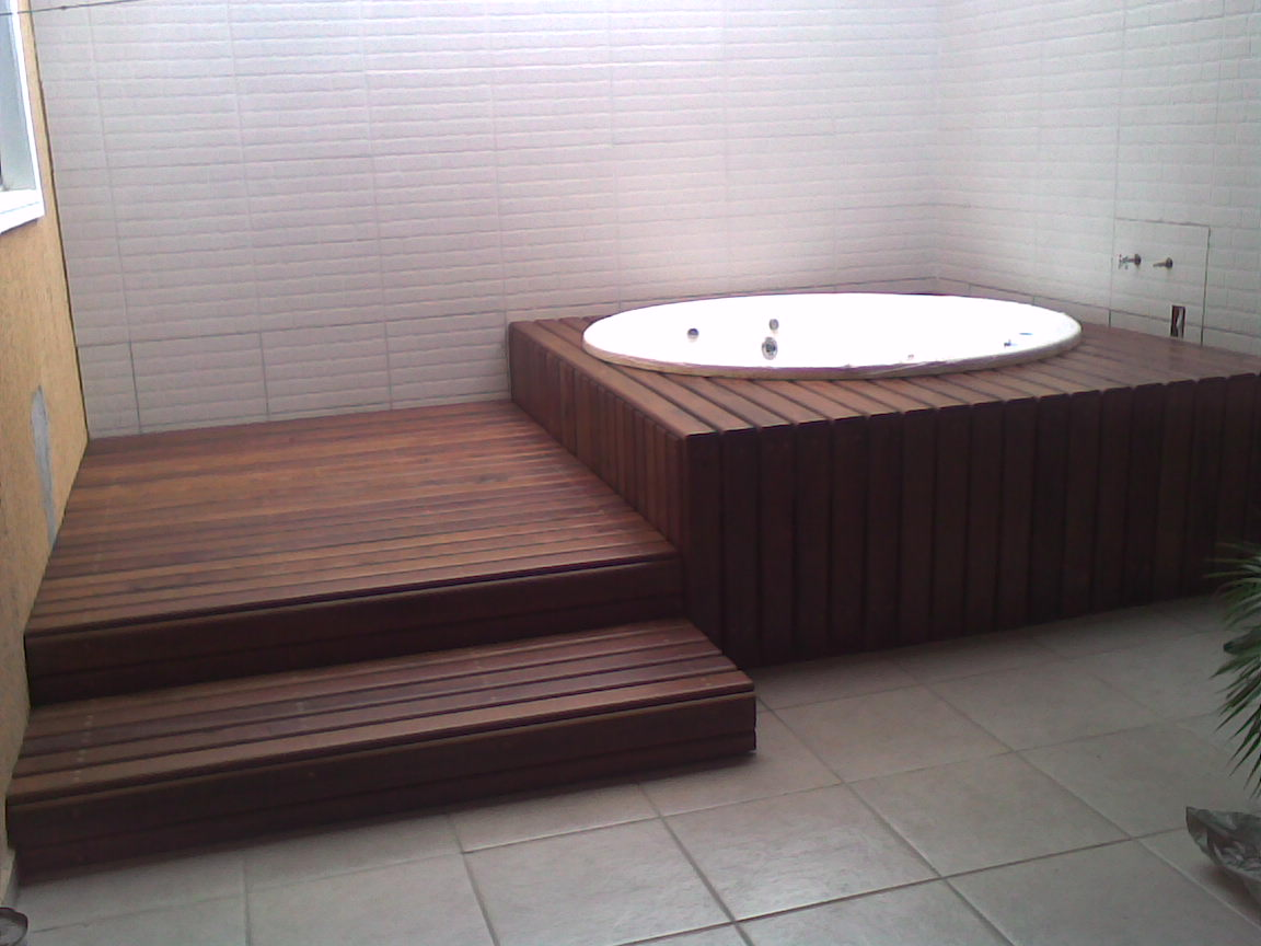 32336176  81561044 Sorocaba SP: Banheira revestida em madeira de deck #826649 1152x864 Banheiro Com Banheira Antiga