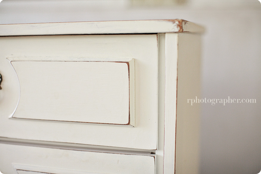 Painting Wood Furniture Shabby Chic http://livingbeautifullydiy.blogspot.com/2011/05/distressed-buffet-diy.html