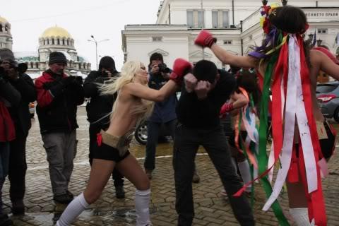 femen+protesters+of+uefa+euro+2012+Topless+uefa+euro+2012+football+soccer+protest+hot+femen+sexy+girl++ukrain+Poland+fan+super+fans Hot porn arab sexy dance arab arabian shake shemale sex india porn