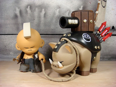 The Huck Gee Project Warhog &amp; Hog Master Custom Munny Vinyl Figures