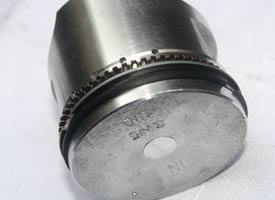 Cara memasang ring piston motor