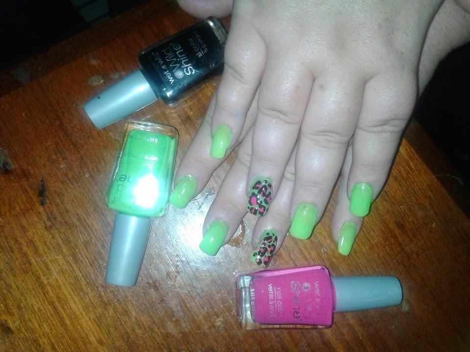 Lizstar beauty kiss complete salon acrylic nail kit review for Acrylic nails walmart salon