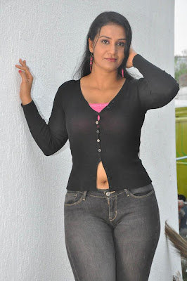 Apoorva sexy actress hot navel show photos