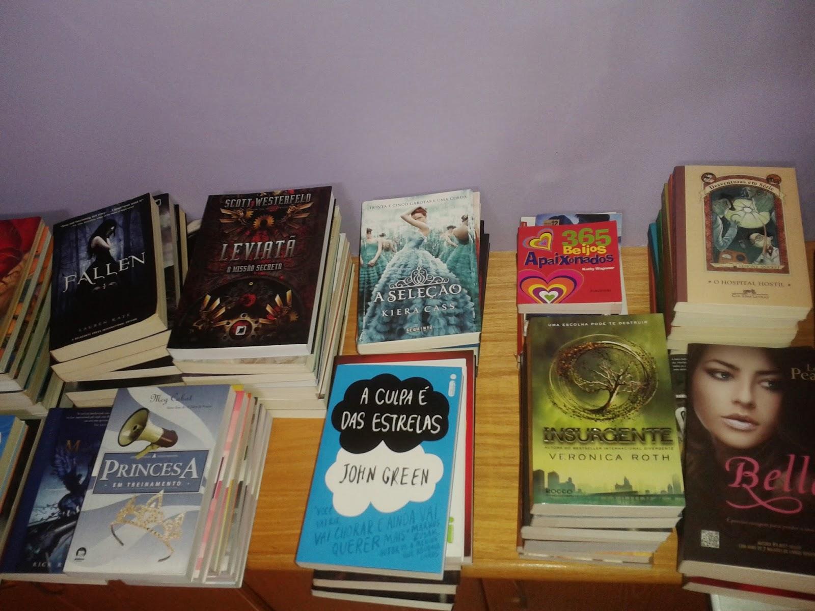 Aqui mais uns livros que deverão ficar na estante já que alguns ela  #2589A6 1600x1200