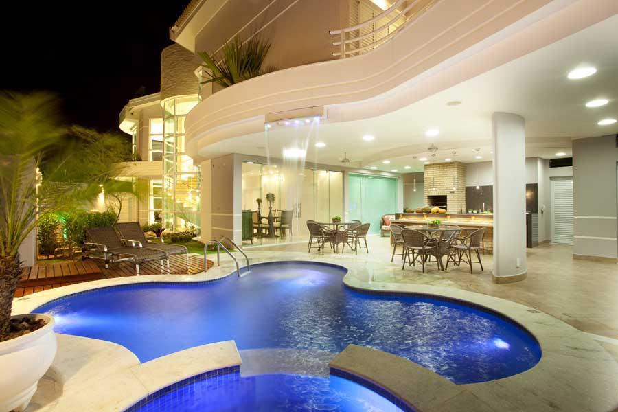 Construindo minha casa clean 12 varandas modernas com for Casas modernas redondas