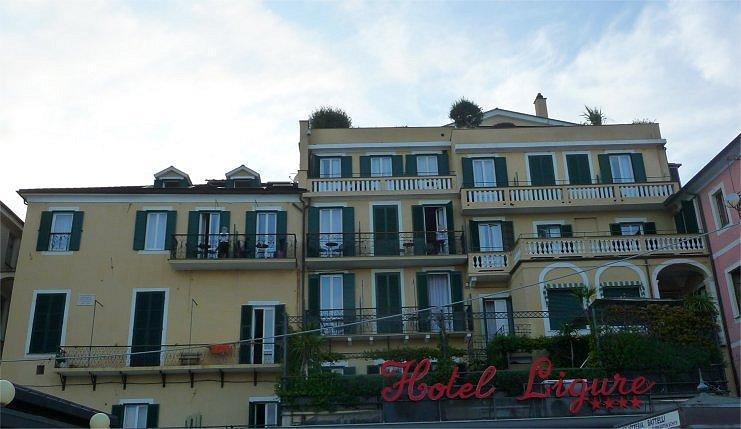 Alassio hotel ligure italia in albergo for Hotel liguria milano