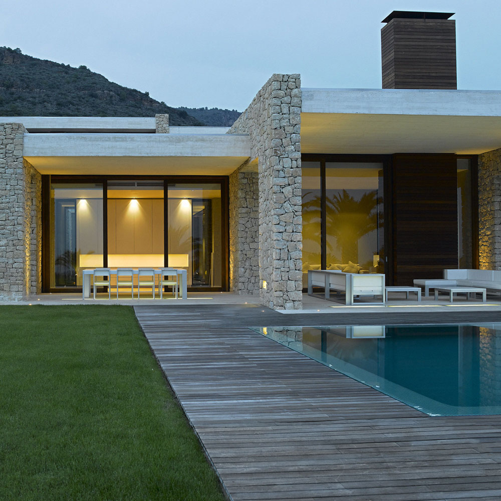 modern home and the terrace by the pool