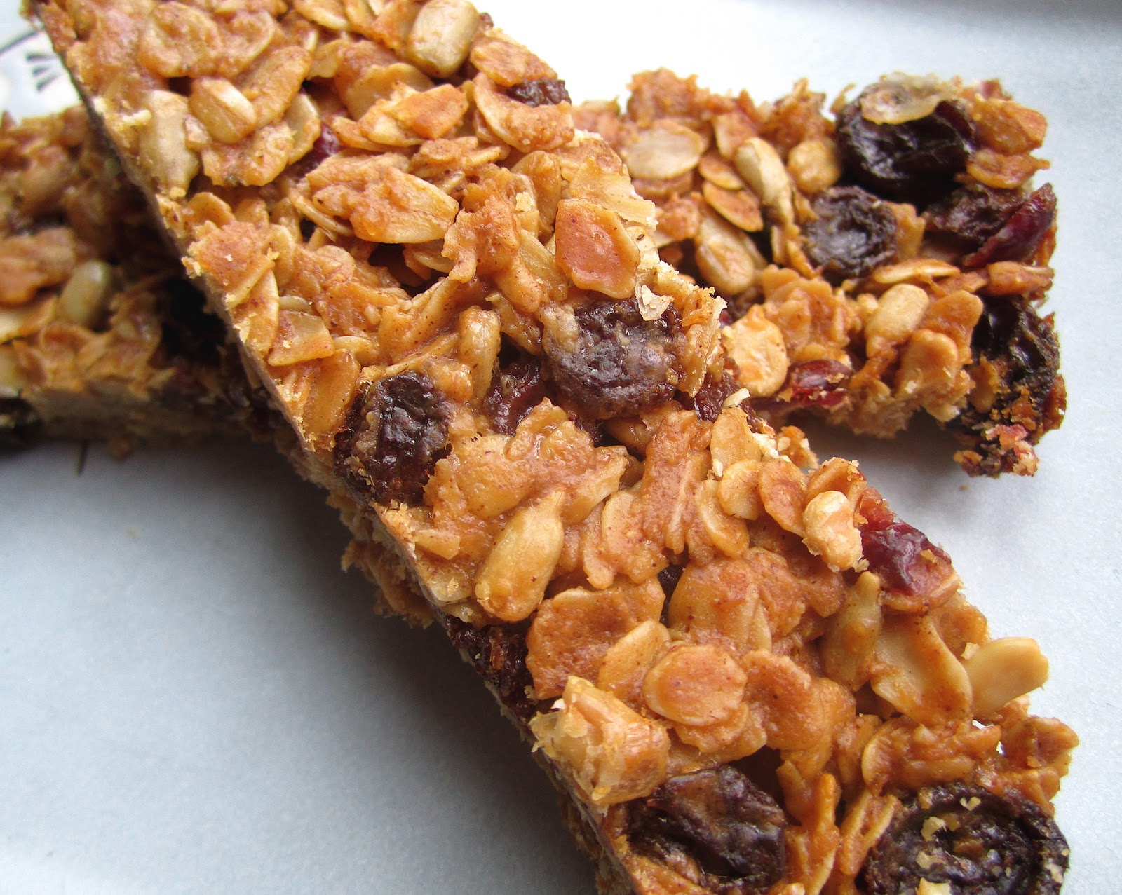 Stephanie Cooks: White House Granola Bars
