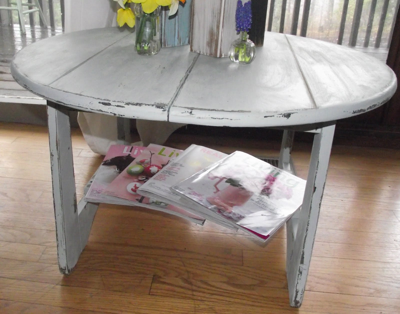 Serendipity Chic Design Beach house coffee table