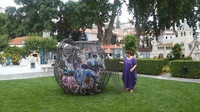 Bule Joana Vasconcelos Portugal dos Pequeninos