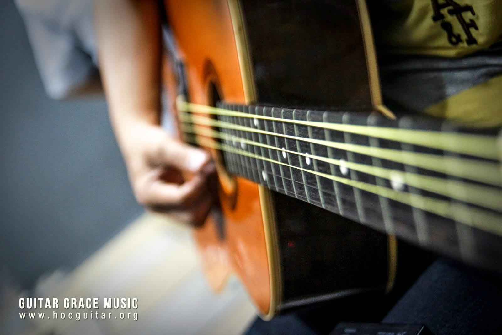 Học đàn guitar cơ bản ở tphcm