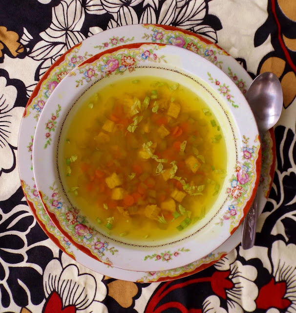 Making homemade chicken soup with a secret healing ingredient find the recipe here on gift style blog Gave That