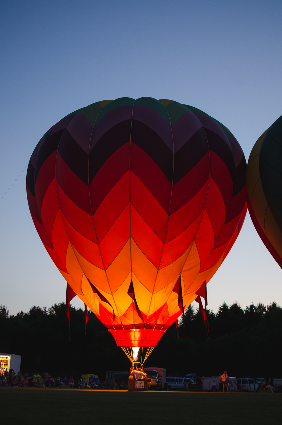 Beautyosaurus Lex- lifestyle-wisconsin-hot air balloon-summer-sunshine