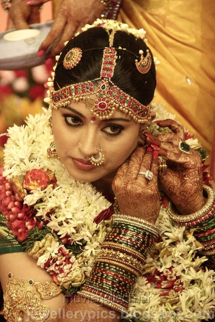 Actress Sneha In Traditional Tamil Wedding Jewellery On