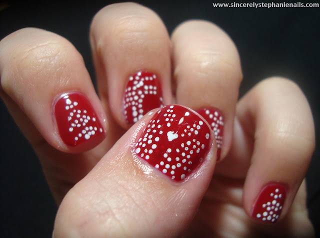 red knitted sweater nail art