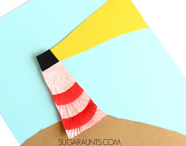 Lighthouse cupcake liner craft. This is so cute for a summer craft with kids!