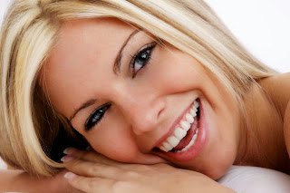 Por que devo fazer um clareamento dental?