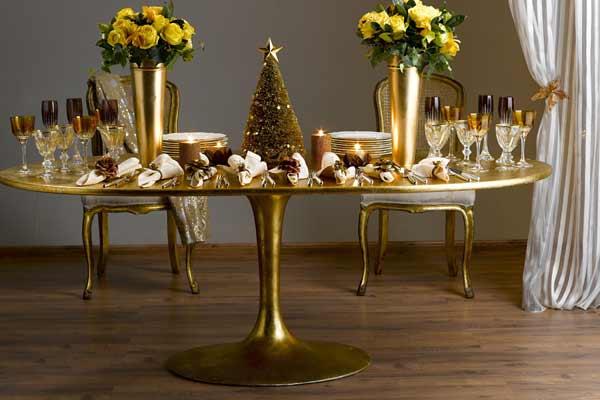 decoracao festa natal:Tons metálicos, cintilantes e brilhantes devem ser combinados com