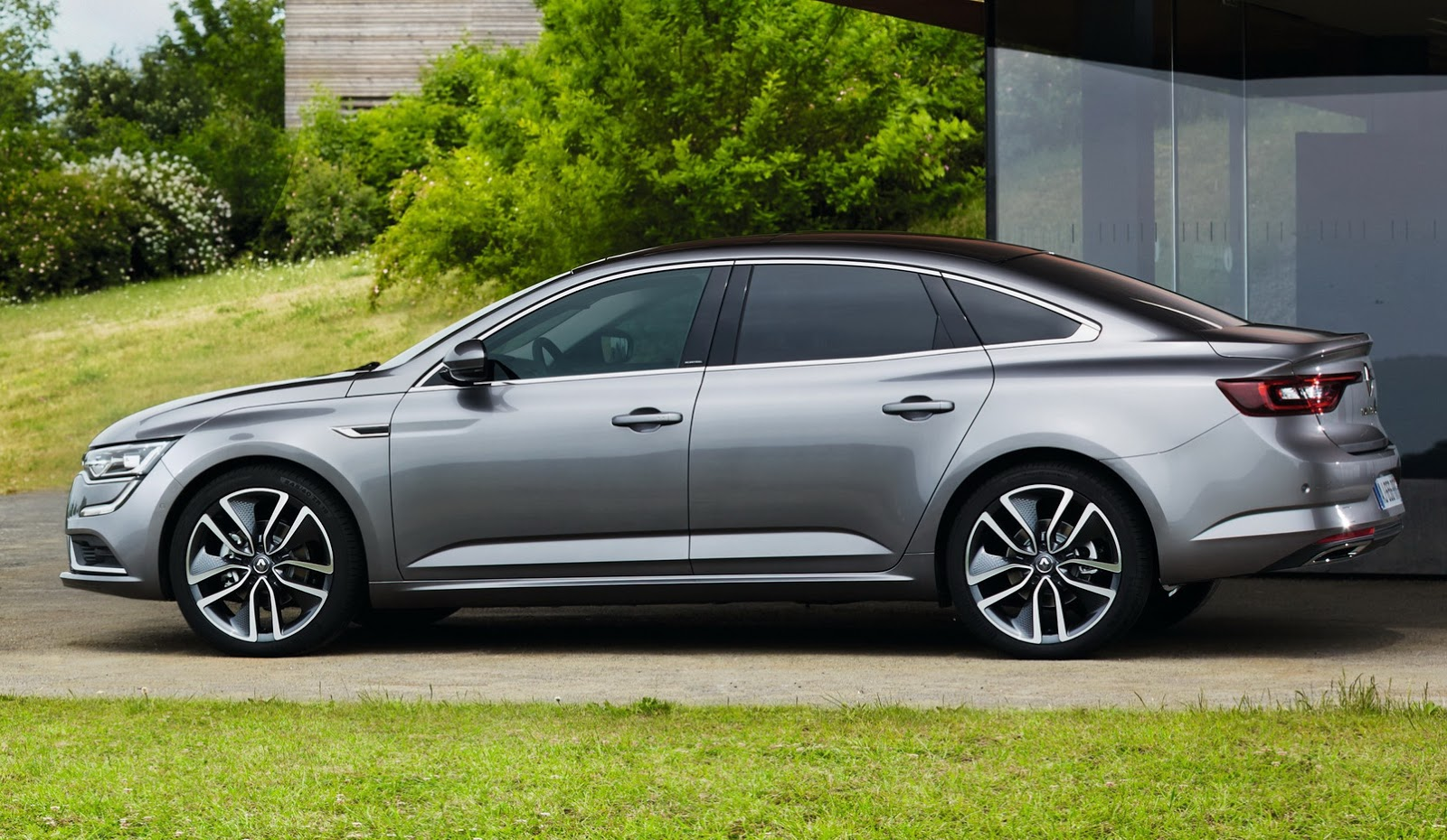 The New Renault Talisman Is Out And It S Unmistakably
