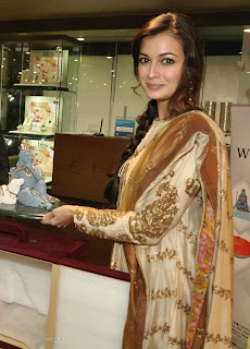 Dia Mirza Stunning @Launch Of Alder n Roth New Collection At Giantti Store