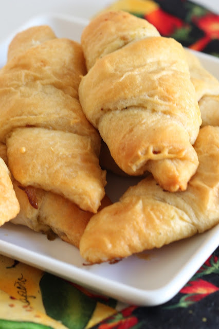 Green Chile and Bacon Crescent Rolls | Tortillas and Honey